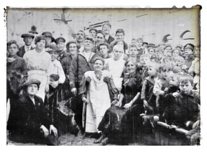 St Anne Street Limehouse residents early 1900s